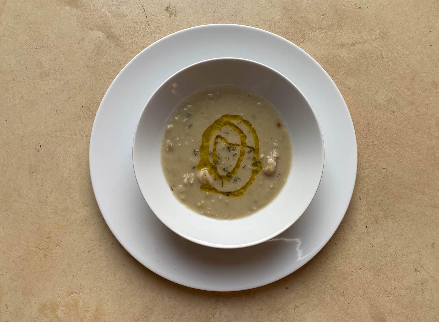 Preparazione mortaio pesto olea prilis